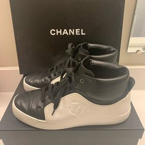 Authentic Chanel Black/White hi-top Sneakers